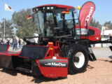 MacDon M200