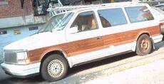 1990 Chrysler Town & Country.jpg