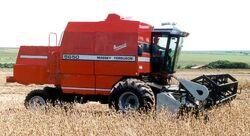 MF 5650 Advanced combine - 2003