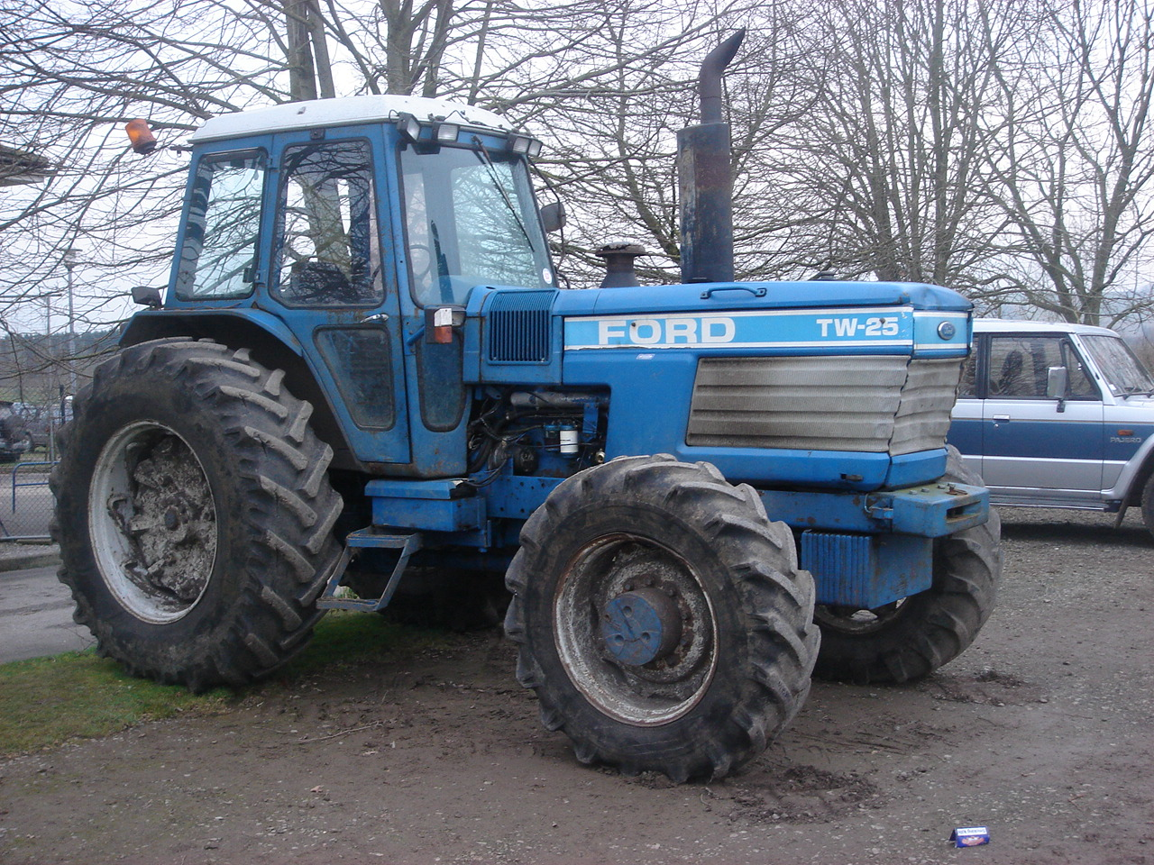 Ford TW-25 | Tractor & Construction Plant Wiki | FANDOM powered by ...