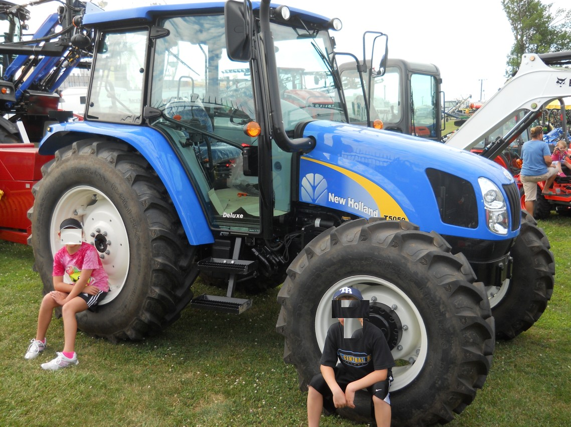 New Holland T5050 Deluxe | Tractor & Construction Plant Wiki