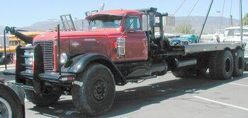 International 1952 LFD-411