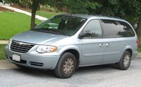 05-07 Chrysler Town and Country LX 2