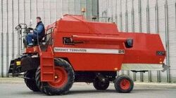 MF 24 combine w o cab (Dronningborg) - 1985