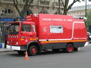 Renault camion à Pompiers à Paris