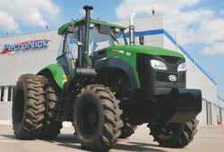 Green Bull 1404 MFWD (KAT) - 2013