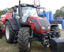 Valtra N141 Hi-Tech MFWD (red) - 2009