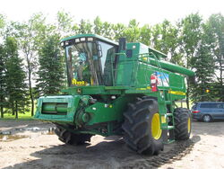 John Deere 9860STS combine, Kindred ND 20090801