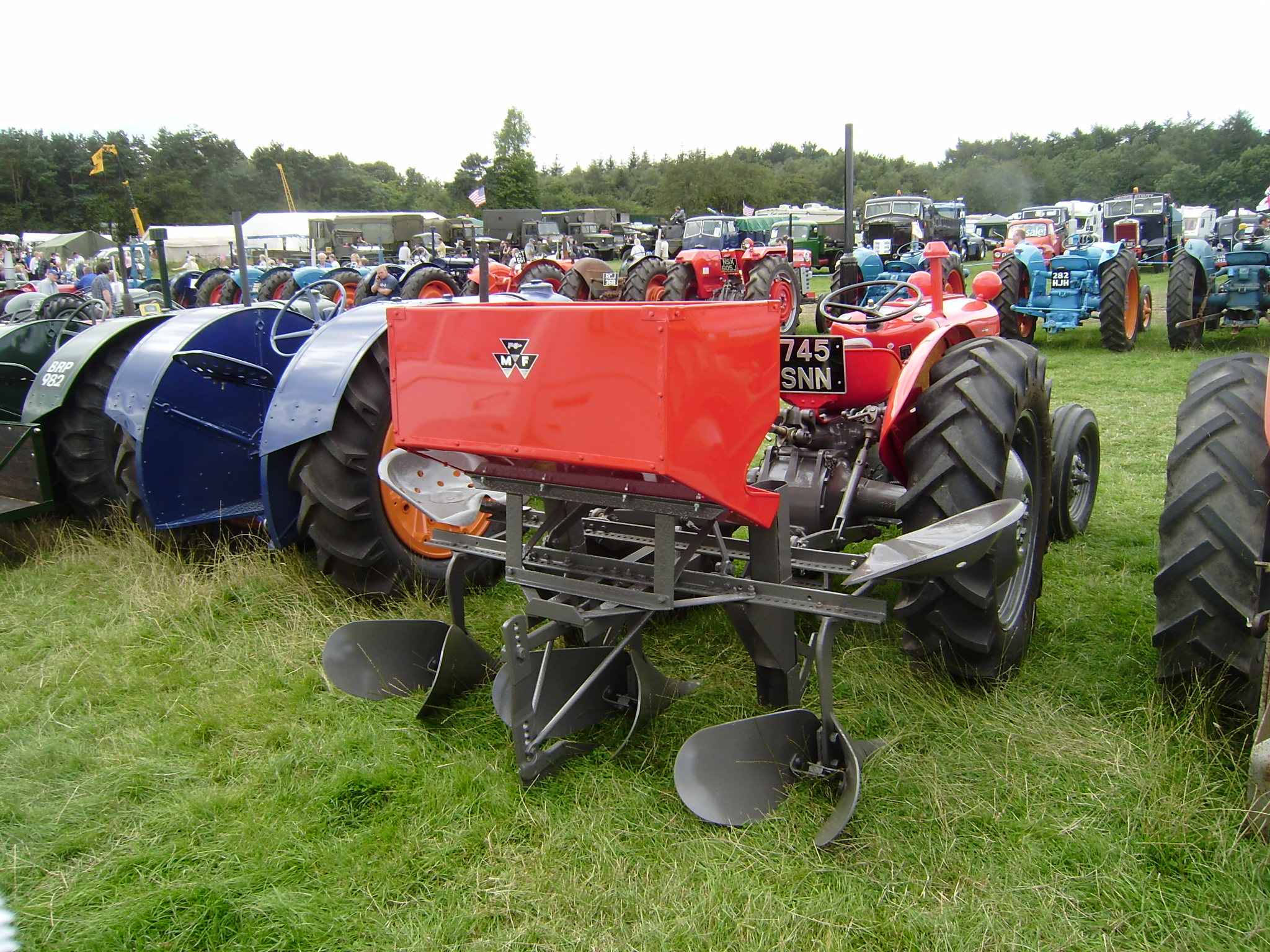 Potato planter with own hands: the principle of work, design features