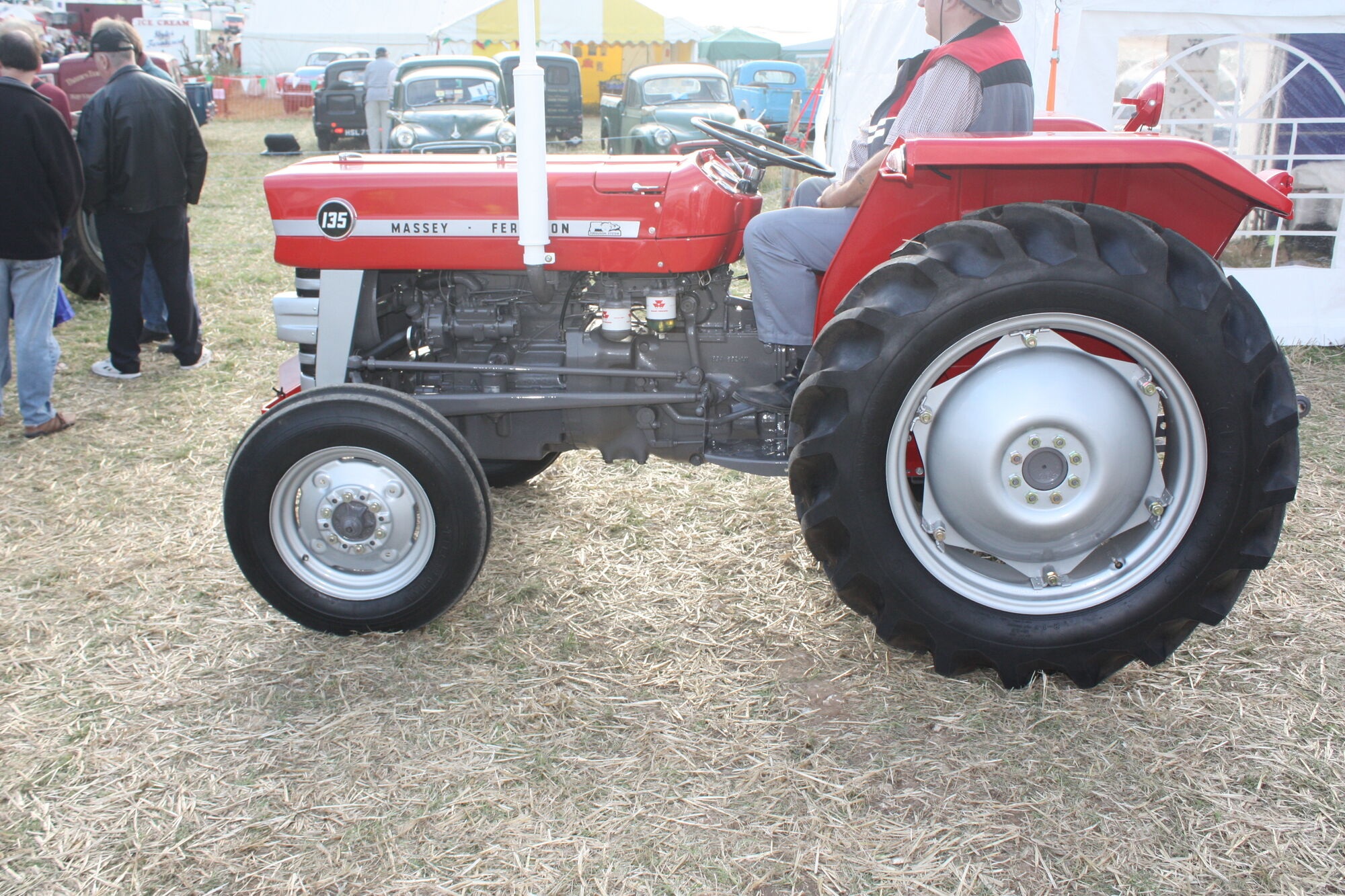 Massey Ferguson 135 | Tractor & Construction Plant Wiki | FANDOM powered by  Wikia