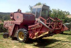 MF 87 combine - 1968