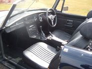 MGB Roadster 1972 Interior left