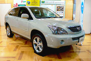 Toyota Harrier Hybrid 01
