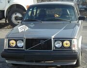Volvo 240 Front