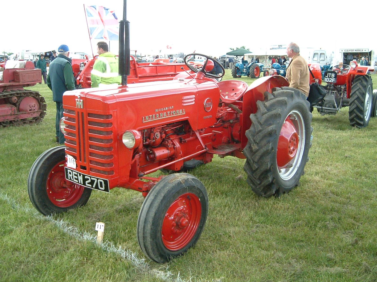 International B250 | Tractor & Construction Plant Wiki | FANDOM