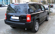 Jeep Patriot black rr