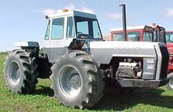 White 4-180 Field Boss 4WD (grey)
