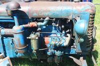 Zetor T25 - engine at belvoir 2010 - IMG 2943