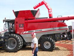 MF 9560 Trident combine - 2011