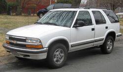 98-05 Chevrolet S-10 Blazer LS 4-door
