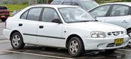2000-2003 Hyundai Accent (LC) GL 5-door hatchback 02