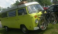 Volkswagen Kombi T2 (Auto classique Laval '10)