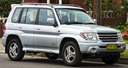 2001-2002 Mitsubishi Pajero iO (QA) ZR 5-door wagon 01