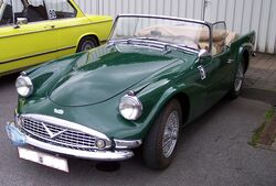 Daimler SP250 Dart green vl