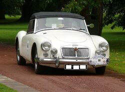MG A 1600 Roadster white vr