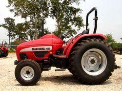 Mahindra 7520-2005