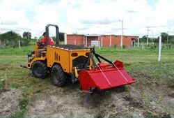 002 agricultura general -tractor jensen th 50 foto 2-1-