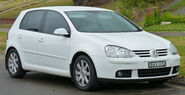 2004-2007 Volkswagen Golf (1K) Sportline 2.0 TDI 5-door hatchback 01