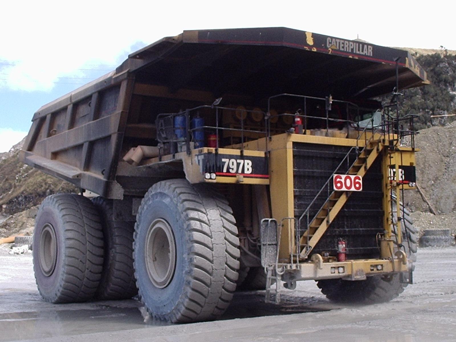 Caterpillar 797b Tractor Amp Construction Plant Wiki