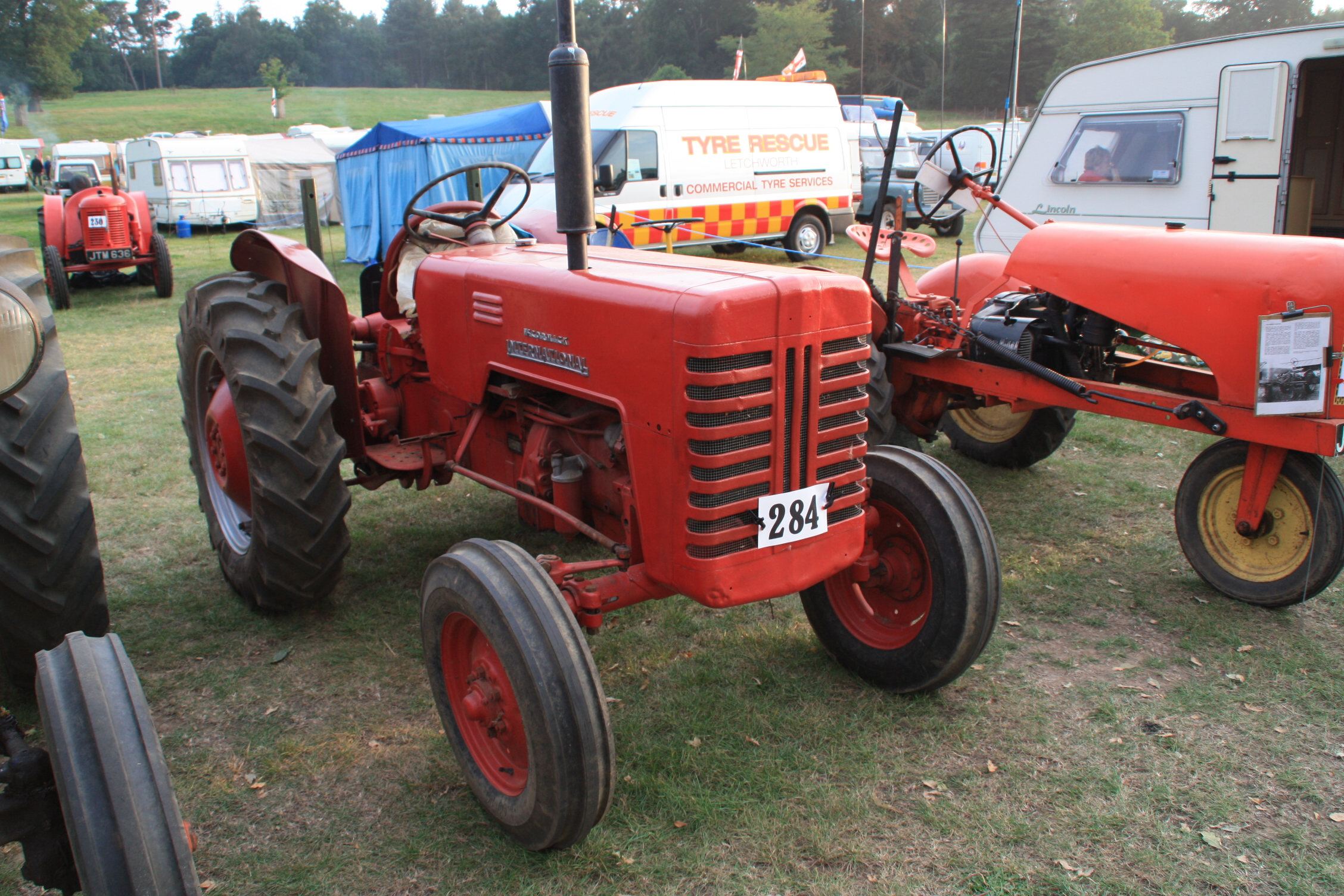 International B250 | Tractor & Construction Plant Wiki | FANDOM powered by  Wikia