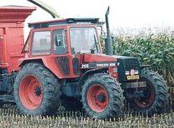 Volvo BM 2105 MFWD (red)