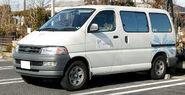 Toyota Hiace Regius Van 001