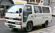 Isuzu Elf Route-van 003