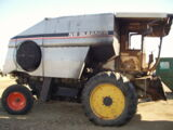 Allis-Chalmers Gleaner N6