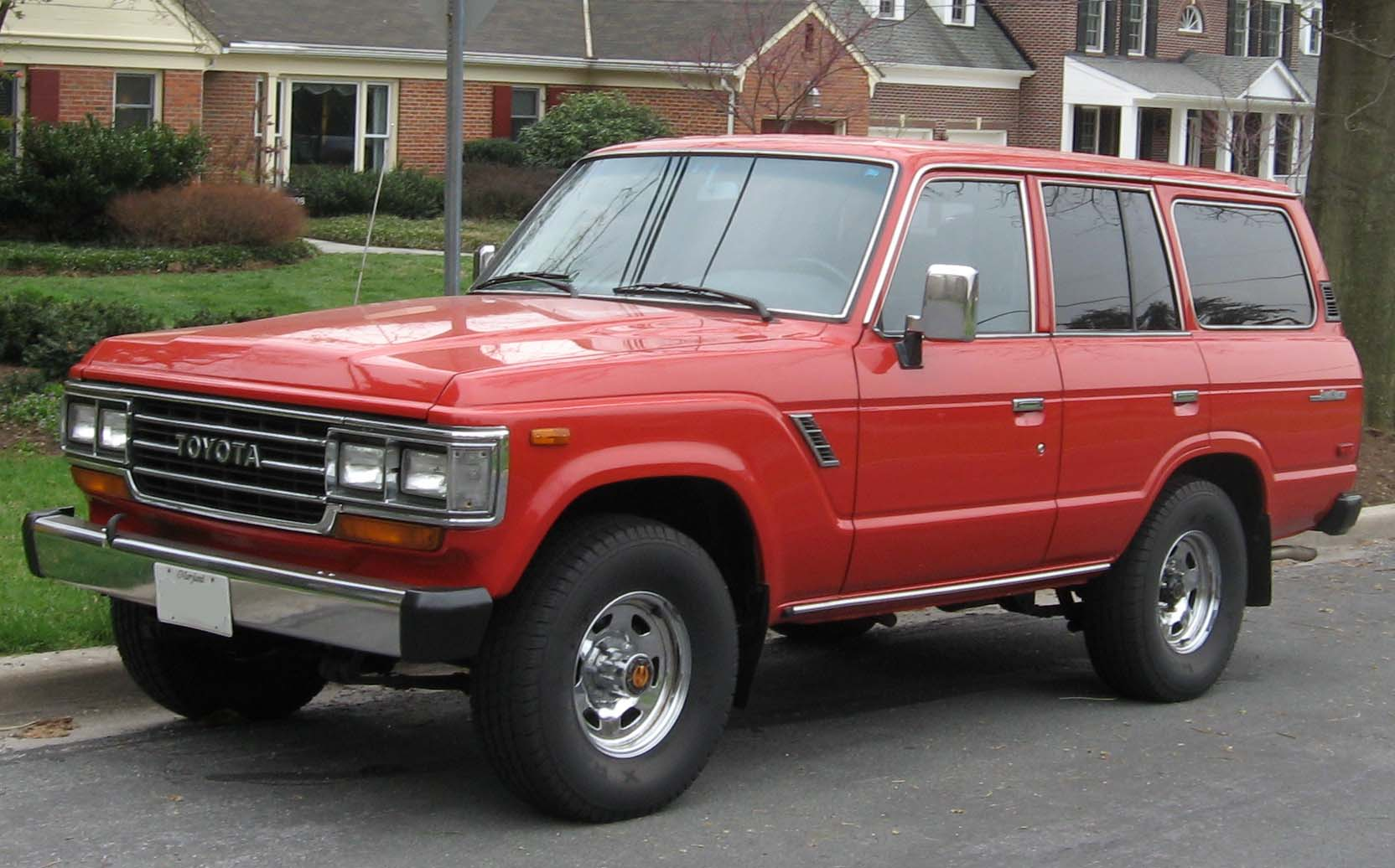 Toyota Land Cruiser | Tractor & Construction Plant Wiki