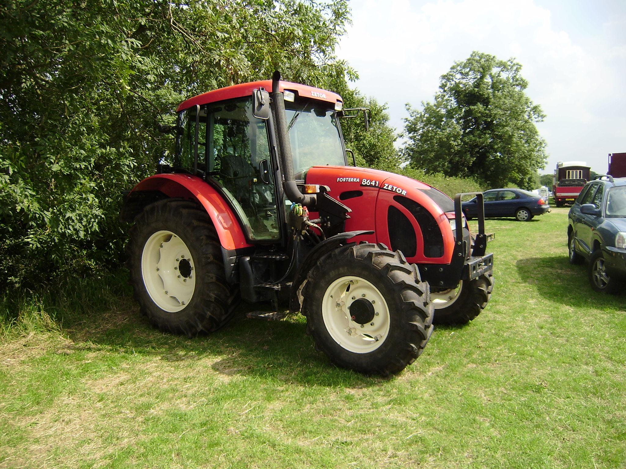 Zetor 8641 a modern 4-wd tractor