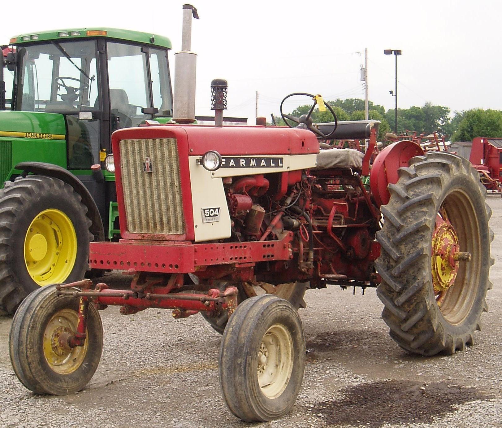 International 504 Tractor : Farmall tractor construction plant wiki fandom