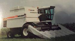 New Idea 819 combine - 1985