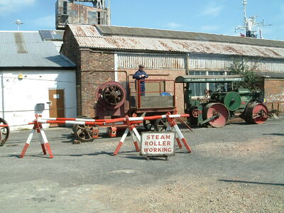 Stone crusher and Road roller at Chatham - DSCF0081