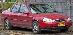 2000 Ford Mondeo (HE) Ghia hatchback 01