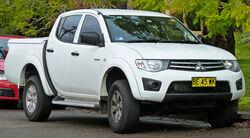 2009-2011 Mitsubishi Triton (MN) GL-R 4-door utility 01