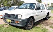 1996-2001 Mitsubishi Triton (MK) GLX 4-door utility 01