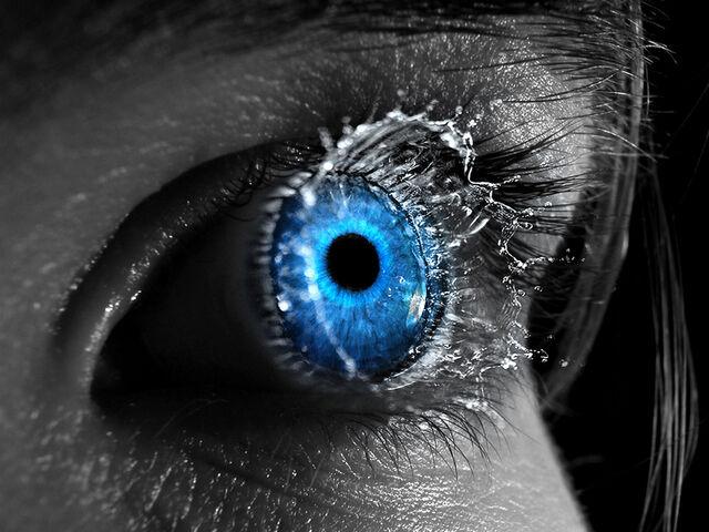File:Eye Drops Water.jpg