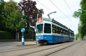 Kreuzplatz lijn15 Tram2000