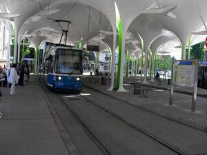 Münchner Freiheit R22 lijn 23