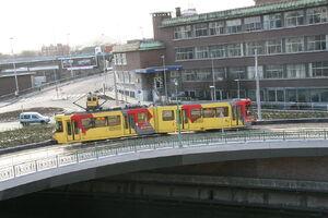 Charleroi - Pont de la Résistance - Tram traversant la Sambre 2